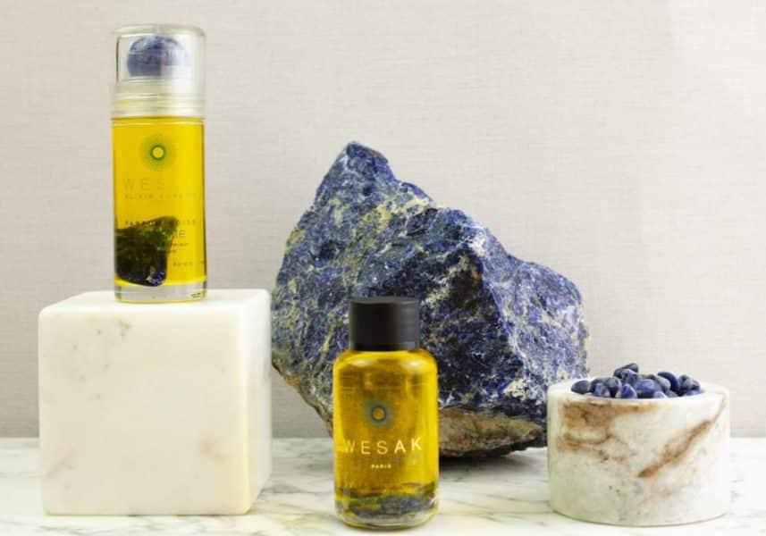 Gamme des produits wesak paris obsidienne: élixir sodalite roll-on pierre parfum boisé 50ml et recharge 50ml élixirs lunaires